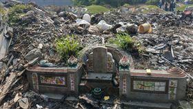 掃墓,祖墳,廢棄物,垃圾,清明節(圖/翻攝自爆怨公社)
