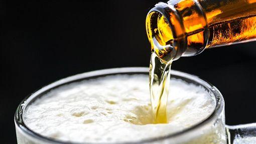 喝酒、喝醉、啤酒/pixabay