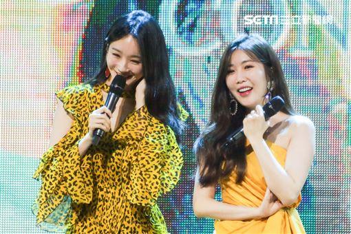 韓國美聲女團「DAVICHI」李海莉、姜珉炅二度來台開唱並大喊明天會再回來台灣。(記者林士傑/攝影)