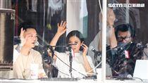 NONSTOP春日音樂祭丁噹與蕭秉治一同上電台直播。(記者林士傑/攝影)