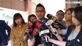 臉書拍賣直播主連千毅接受媒體訪問(楊忠翰攝)