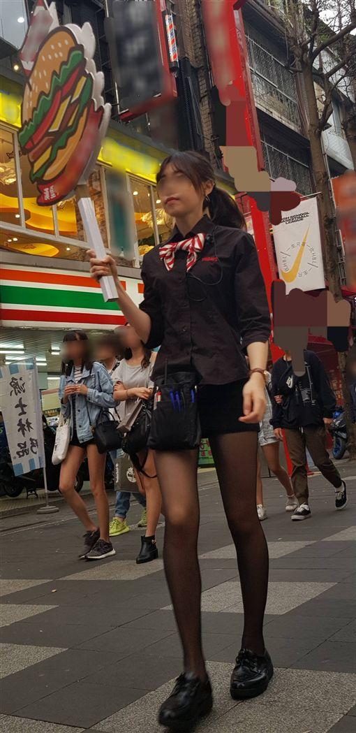 西門町正妹女店員辣秀超長美腿。(圖/翻攝自PTT八卦板)