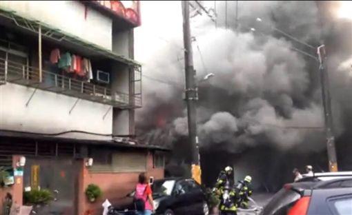 台北,內湖,新明街,火警。翻攝畫面