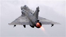 空軍健兒在春節期間全天候無論地勤弟兄還是飛官隨時戰備,在台海領空捍衛台灣領空,讓國人過著快樂的過年。(記者邱榮吉/攝影)