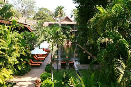 ▲吳哥柏爾蒙德酒店的景觀像是一幅熱帶風情畫(圖/吳哥柏爾蒙德酒店)