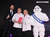 蟬連2019台北米其林餐廳三星的頤宮兩位行政主廚。(記者邱榮吉/攝影)