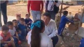 墨國市長羞辱女童 (圖/翻攝自youtube)