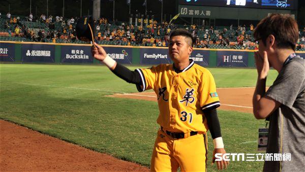 中信兄弟陳江和拿下單場MVP。(圖/記者王怡翔攝影)