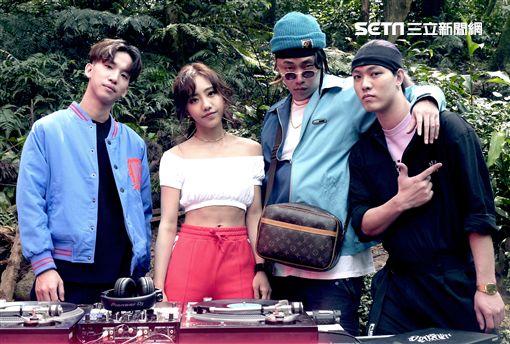 蔡佩軒新歌《看PRO!》挑戰電音嘻哈,左起DinPei、蔡佩軒、Tipsy、趙志翰。(圖/非常棒提供)