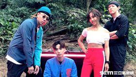 蔡佩軒新歌《看PRO!》挑戰電音嘻哈,左起Tipsy、DinPei、蔡佩軒、趙志翰。(圖/非常棒提供)