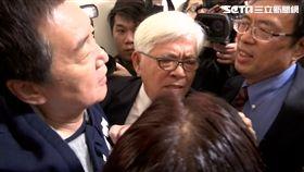 ▲國民黨立委不同意李進勇出任中選會主委,立法院爆發推擠