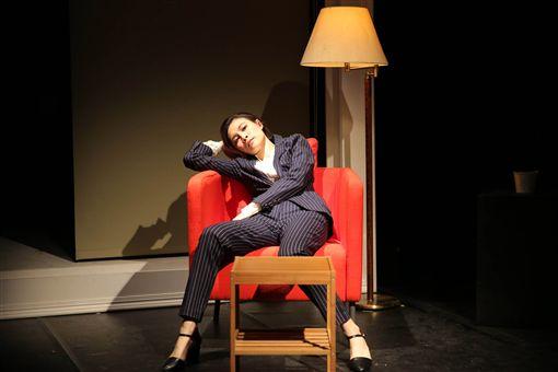C MUSICAL製作11日將再度演出音樂劇「焢肉,遇見你」。女主角由國產遊戲「還願」配音、掀起熱烈討論的陳品伶擔任,1人分飾3角,詮釋年過30的輕熟女心境轉變。(C MUSICAL提供)中央社 108年4月10日