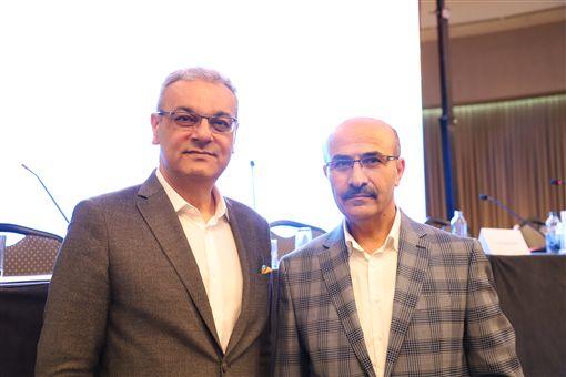 土耳其阿達那省長德米爾塔什(右)、豐田汽車土耳其分公司總裁波茲庫特(左)6日出席「國際橙花嘉年華會」記者會。中央社記者何宏儒阿達那攝 108年4月7日