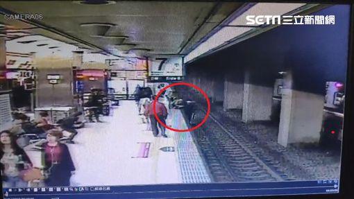 落軌,台北車站,火車