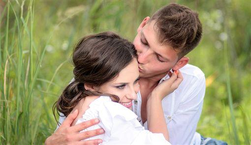 示意圖/情侶/戀愛/男女/親密行為(圖/翻攝自pixabay)