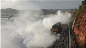 英國恐怖鐵道(圖/翻攝自推特)