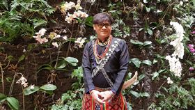 出身台東卑南族部落的歌手桑布伊12日至14日將登場台北國家戲劇院舞台演唱,用歌聲帶聽眾一秒入山林。中央社記者鄭景雯攝 108年4月11日