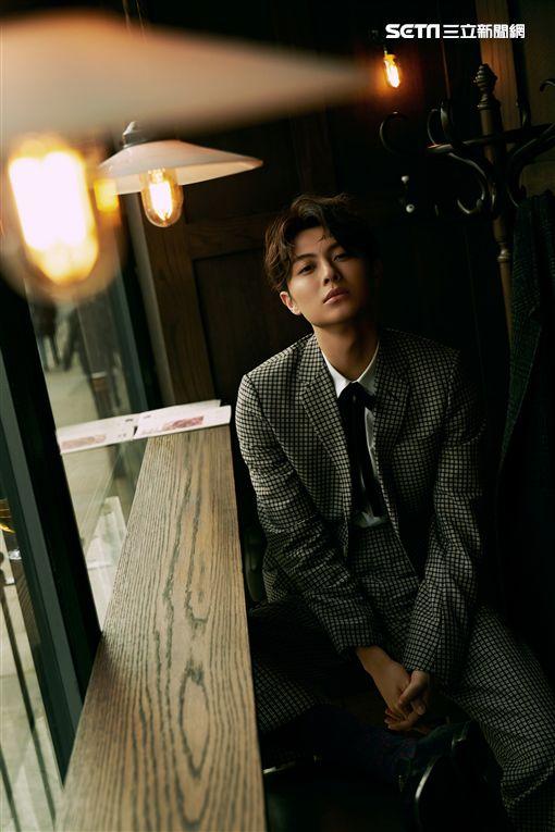 邱勝翊《在你心裡打個卡》MV側拍。(圖/華研提供)