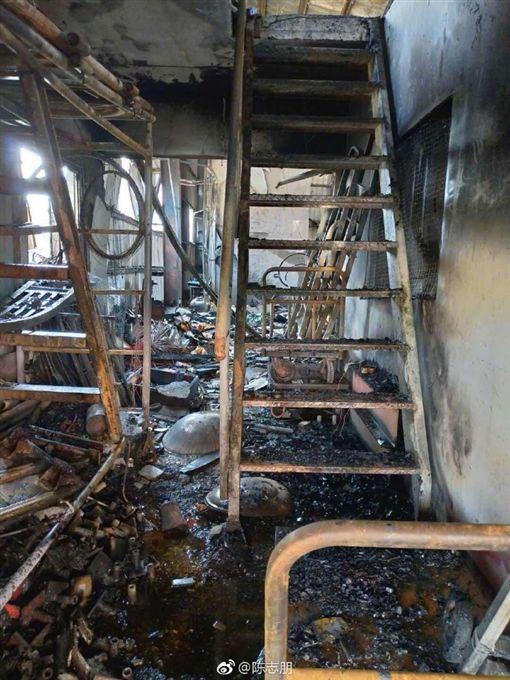 陳志朋家遭到惡意縱火。(圖/微博)
