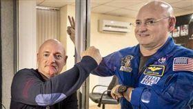 史考特・凱利(Scott Kelly),馬克・凱利(Mark Kelly),太空人(圖/翻攝自Scott Kelly推特)