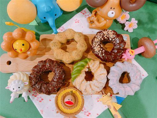 甜甜圈,安普蕾修起司塔。(圖/業者提供)