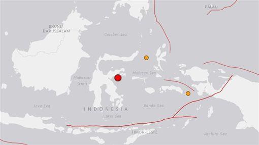 印尼蘇拉威西島發生規模6.8地震(圖/翻攝自美國地質調查所USGS)