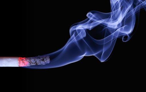 抽菸,吸菸,男人 圖/pixabay ID-1874593