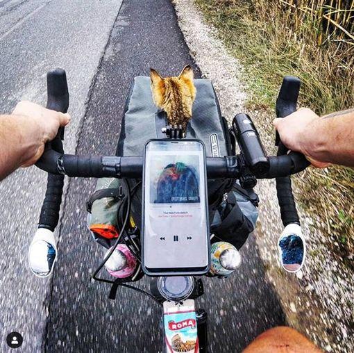 單車,壯遊,貓,喵星人,旅伴,蘇格蘭。翻攝自IG:1bike1world ID-1874654