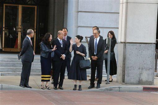 韓國瑜偕李佳芬與洛杉磯第一副市長何契珍(Nina Hachigian)會面,高雄市府