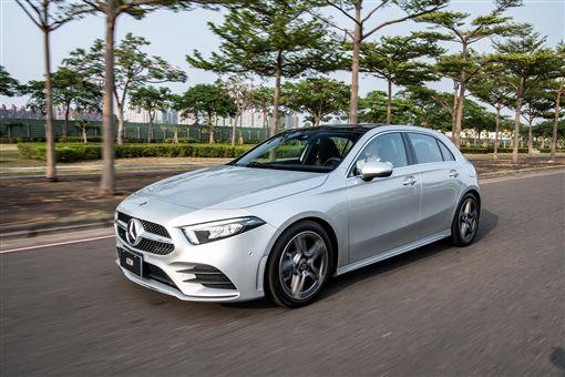 ▲A-Class獲得「2019車訊風雲獎-最佳進口中型車」。(圖/Mercedes-Benz提供)