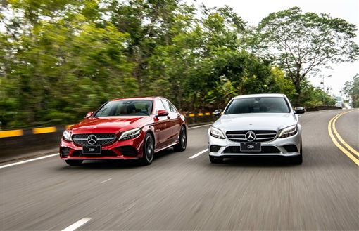 ▲C-Class則獲得「2019車訊風雲獎-最佳進口中大型車」。(圖/Mercedes-Benz提供)