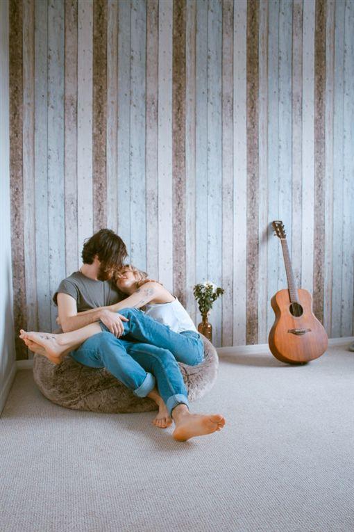 睡覺,睡眠,情侶,戀愛,伴侶。(圖/翻攝自unsplash)