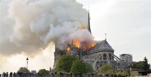 巴黎聖母院(翻攝自推特)
