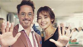 在《復仇者聯盟4》首爾記者會上擔任翻譯的美女安炫牟(안현모)/小勞勃道尼。IG