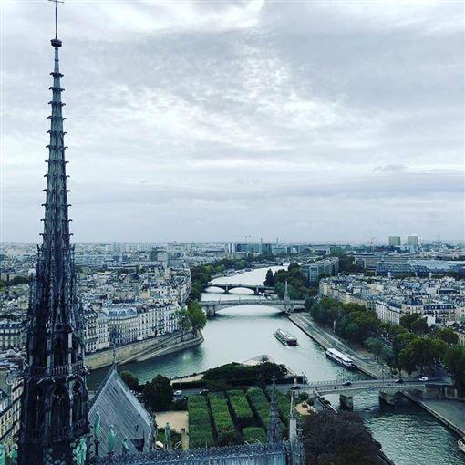 ▲巴黎聖母堂尖塔與美麗市景。(圖/三立新聞網讀者提供)