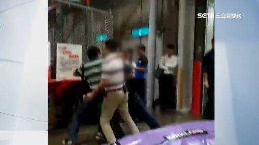 懷疑客是賊? 賣場員工攔阻爆吵推倒客