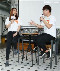 蔡阿嘎與理科太太參加台灣世界展望會宣導活動,蔡阿嘎分享經歷。(記者林士傑/攝影)
