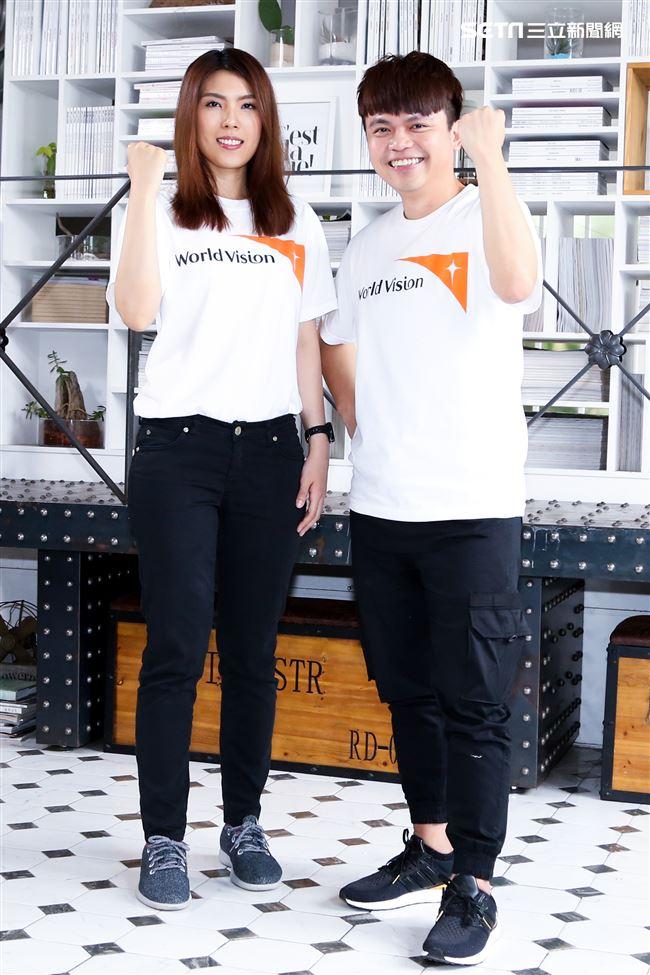 蔡阿嘎與理科太太、理科先生、參加台灣世界展望會宣導活動。(記者林士傑/攝影)