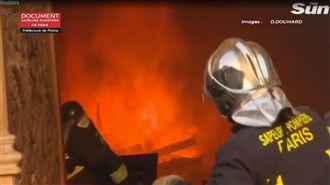 聖母院浩劫 消防員挺進火場畫面曝光