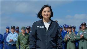 蔡英文總統17日赴澎湖慰勉空軍天駒部隊。(圖/總統府提供)