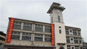 台南市定古蹟「原台南合同廳舍」修復完工,15日正式啟用,部分空間規劃為消防史料館,珍貴史料可以讓民眾更了解消防工作、及所有打火弟兄們的辛勞付出。中央社記者楊思瑞攝 108年4月15日
