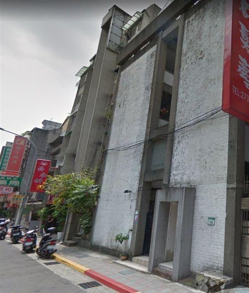 濟南路3段18號的「虹廬」為建築師王大閎設計的自宅,經北市文資審議通過登錄為歷史建築。(圖/翻攝自Google Map)