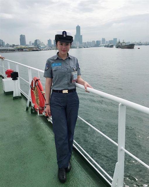 海軍,黃采潔,比基尼,志願役。翻攝自IG:navy.828