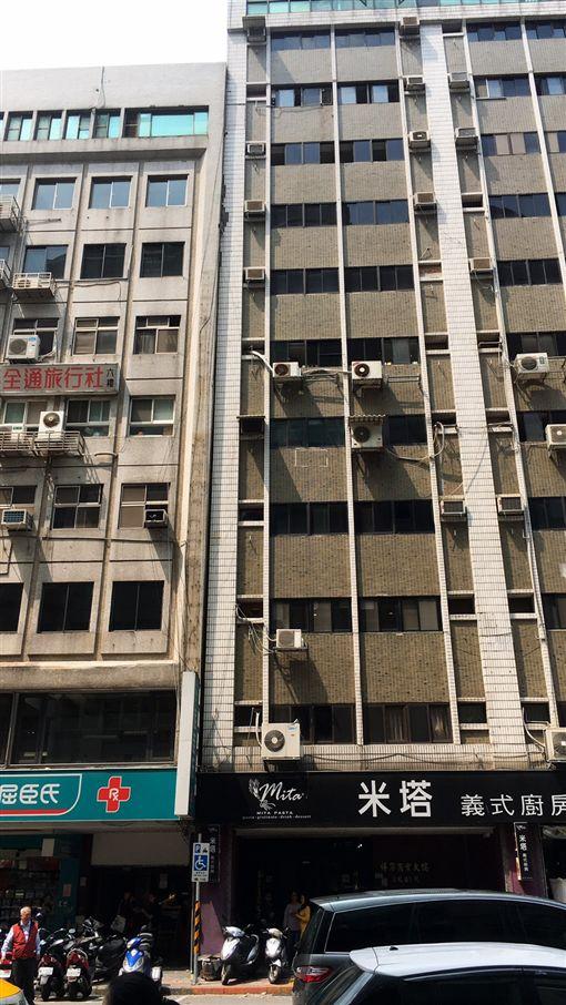 地震,長安東路,傾斜,外牆,磁磚