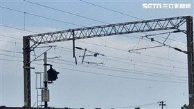 台鐵花蓮-北埔「電桿歪斜」 東正線封閉搶修