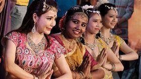 2019印度春漾嘉年華13日在桃園登場,現場呈現一系列印度舞蹈和音樂表演,讓參與民眾感受濃濃異國風情。中央社記者邱俊欽桃園攝 108年4月13日