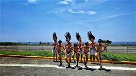 台東縣蘭嶼椰油國小的小飛魚歌舞團隊獲邀到波蘭演出,因缺經費募款,短短15天湧入348筆捐款,達到預定金額。(椰油國小提供)中央社記者盧太城台東傳真 108年4月13日