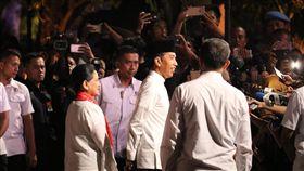 佐科威親中路線受矚目印尼總統佐科威預計月底前往北京參加第2屆「一帶一路」高峰會,學者指出,他吸引中資投資印尼政策引發疑慮,必須更小心。圖為他參加第五場總統選舉的辯論。中央社記者石秀娟雅加達攝  108年4月18日