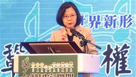 蔡總統出席台灣國家聯盟餐會(1)台灣國家聯盟18日晚間在台北舉行募款餐會,總統蔡英文出席並致詞。中央社記者裴禛攝 108年4月18日