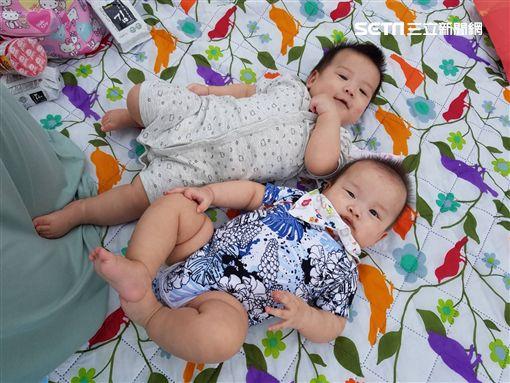 逃生,嬰兒,火警,新北,記者陳啓明攝